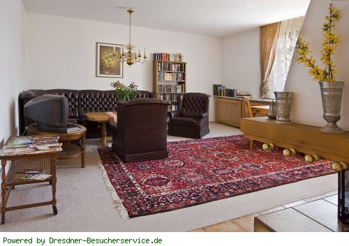 Geräumiges Wohnzimmer