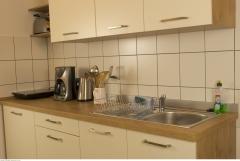 Offen gestaltete Einbauküche