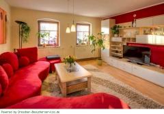 Apartment 6Wohnzimmer mit Sofa