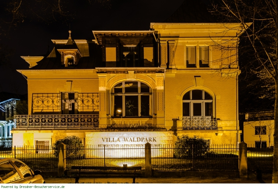 Villa Waldpark beleuchtet