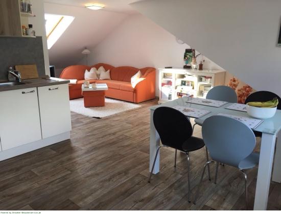 kleine stadtoase. Black Bedroom Furniture Sets. Home Design Ideas